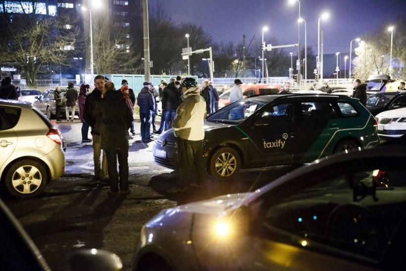 VIDEO | Pole nõus! Taxify juhid protestisid uue hinnasüsteemi vastu, mis tühjendab nende taskuid