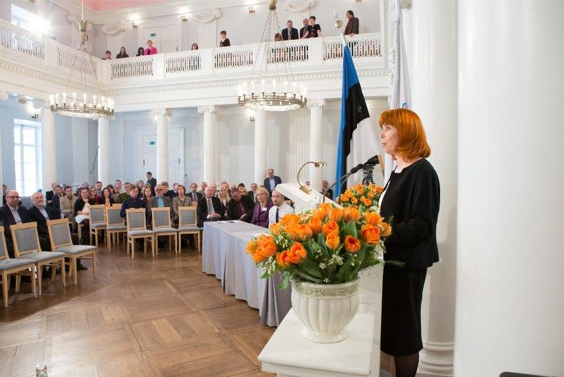 Toetajad veensid Margit Sutropit uuesti TÜ rektoriks kandideerima