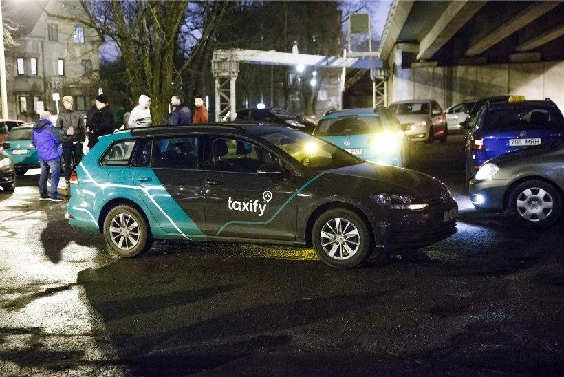 """Taxify sõidukijuhid pole firma """"kompromissiga"""" nõus: klientide ja juhtide nöörimine jätkub"""