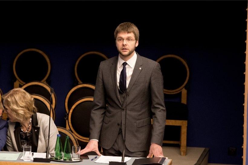 USUTLUS | Ossinovski: alkoholipoliitika kokkuvõtetega peame ootama maikuuni