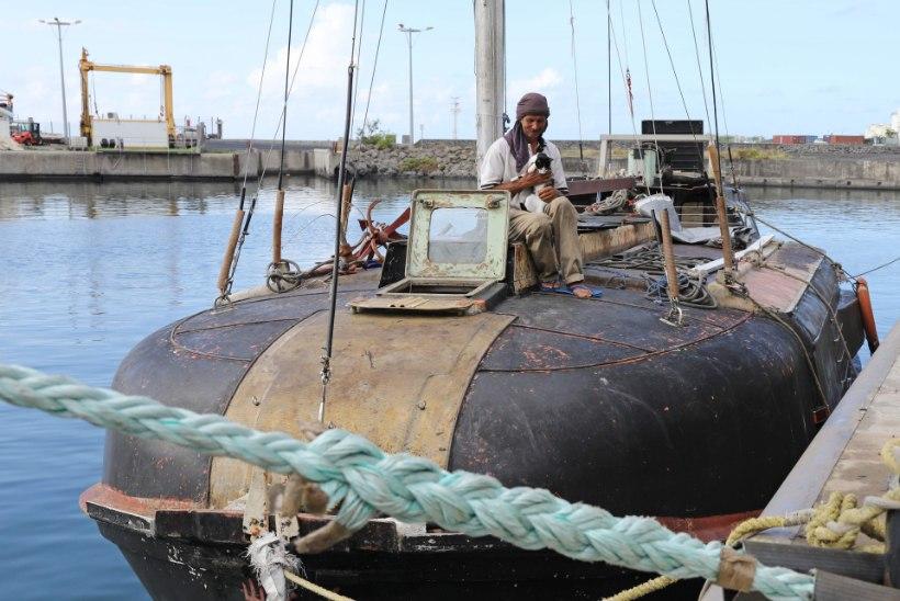 VIDEOD ja FOTOD | Päästeti seitse kuud India ookeanil triivinud mees ja tema kass