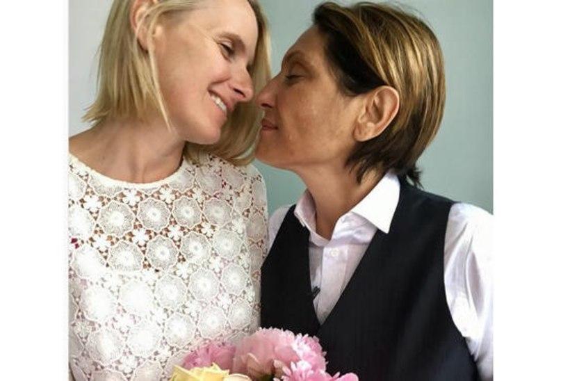 """Vähk murdis menuraamatu """"Söö, palveta, armasta"""" autori lesbikallima"""
