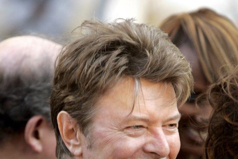 RAAMATUKLUBI! David Bowie poeg kutsub fänne üles oma isa lemmikteoseid lugema