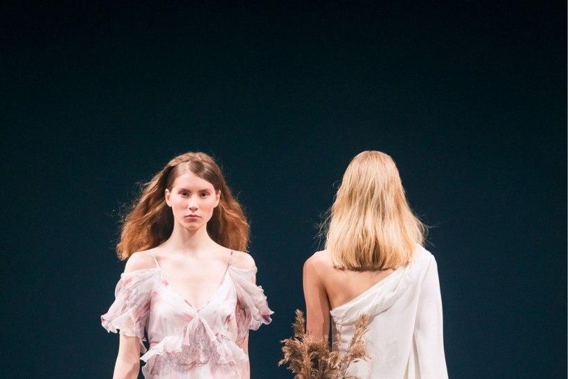 JÄRELVAADATAV | Tallinn Fashion Weeki esimene päev – üle anti Kuldnõel!