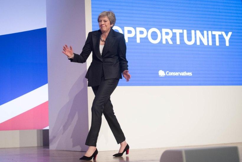 Theresa May soovitus vanuritele: unustage tabletid, minge tantsutundi!
