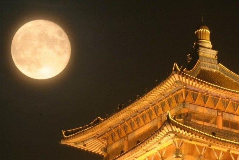 Hiina uus mood: tänavavalgustuse asendab kunstlik Kuu!