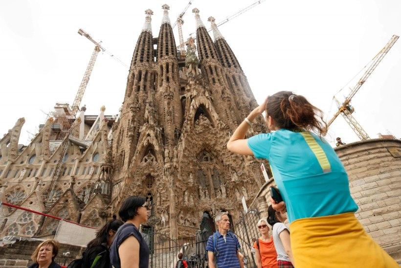Barcelona kuulsaim kirik Sagrada Familia sai lõpuks ehitusloa