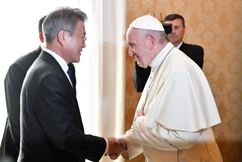 Kim Jong Un ootab paavst Franciscust Põhja-Koreasse