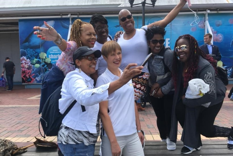 FOTO   Rahvas kogunes president Kaljulaidi Sydney tänavatele vaatama