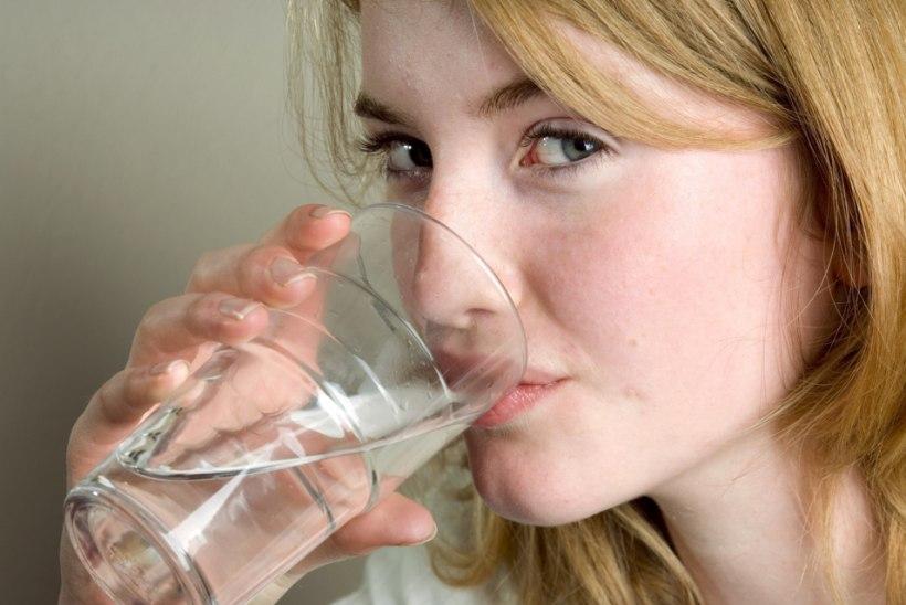 ALUSTA PÄEVA KLAASI SOOJA VEEGA! Mis kell ja mida on kasulik juua?