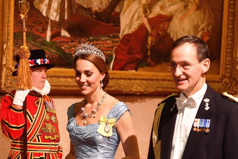 Kommentaatorid: see on Kate Middletoni jõledaim kleit!