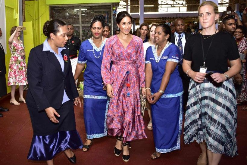 Miks hertsoginna Meghan Fiji turult kiirkorras minema talutati?