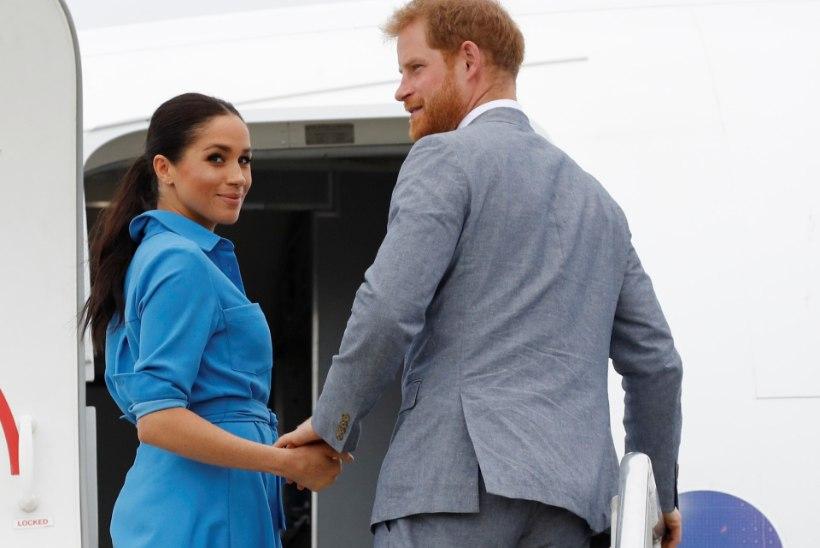 Hirmus! Meghan Markle'i ja prints Harry lennuk oleks peaaegu teise lennukiga kokku põrganud!