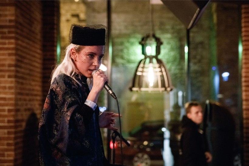 PILDID JA VIDEO | Iiris Vesik on Eestis oma nunnu inglasest poiss-sõbraga