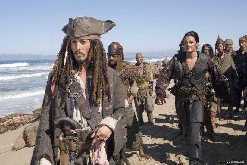 """Kurjad kõlakad: Depp on """"Kariibi mere piraatidest"""" kinga saanud!"""