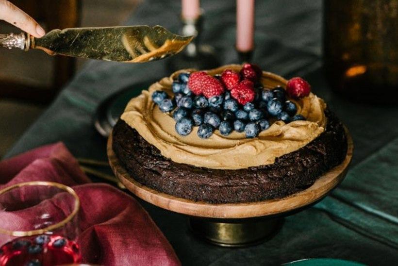 Tervislik ja maitsev! Valmista lihtne oa-šokolaadi kook!