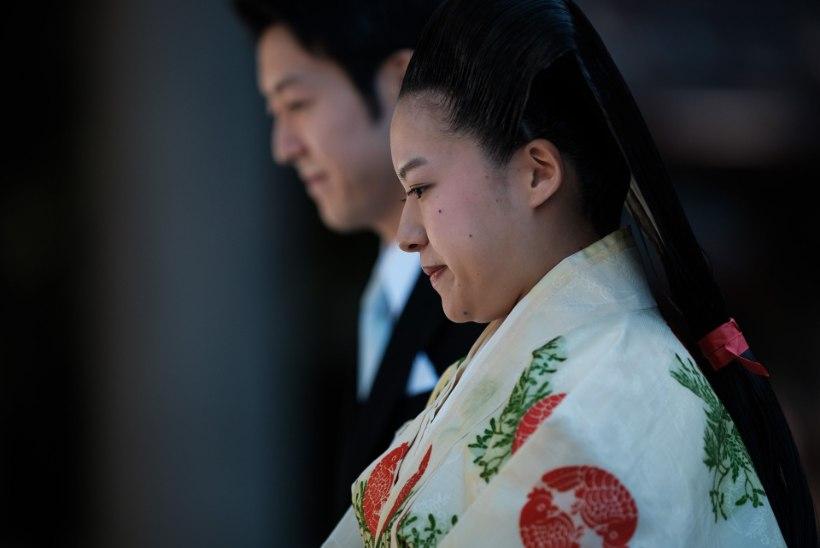 FOTOD | Jaapani printsess Ayako abiellus ning loobus oma kõrgest staatusest