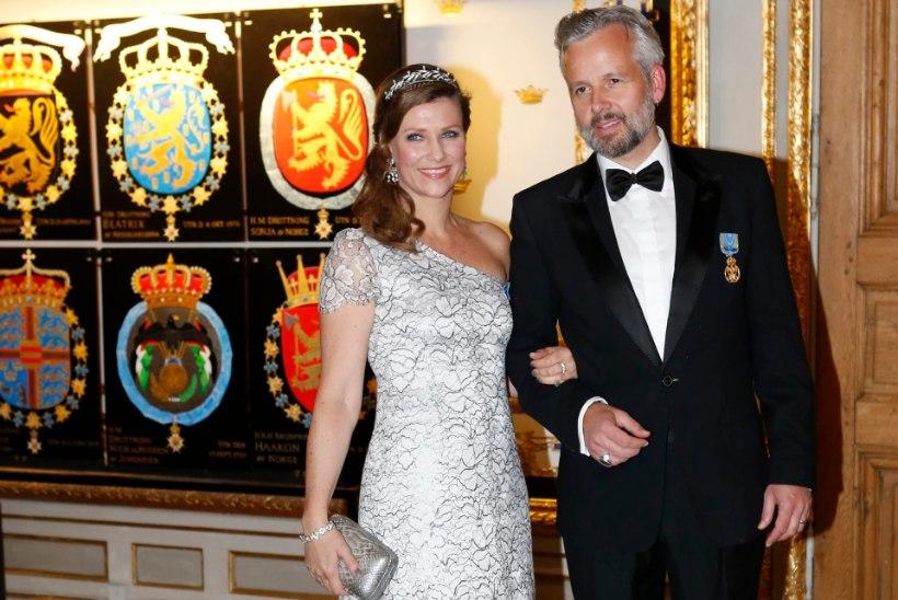 Norra printsessi mees sattus lahutuse tõttu haiglasse