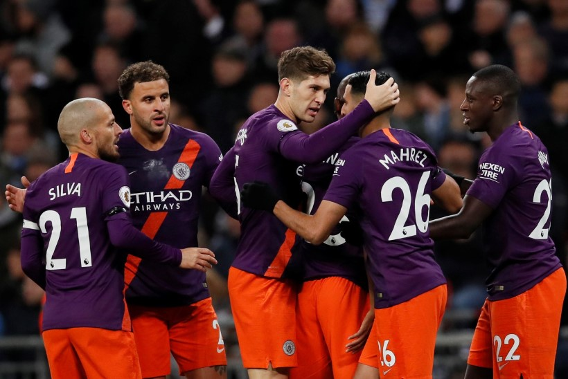 Manchester City alistas Tottenhami, Wembley staadion nägi kummaline välja