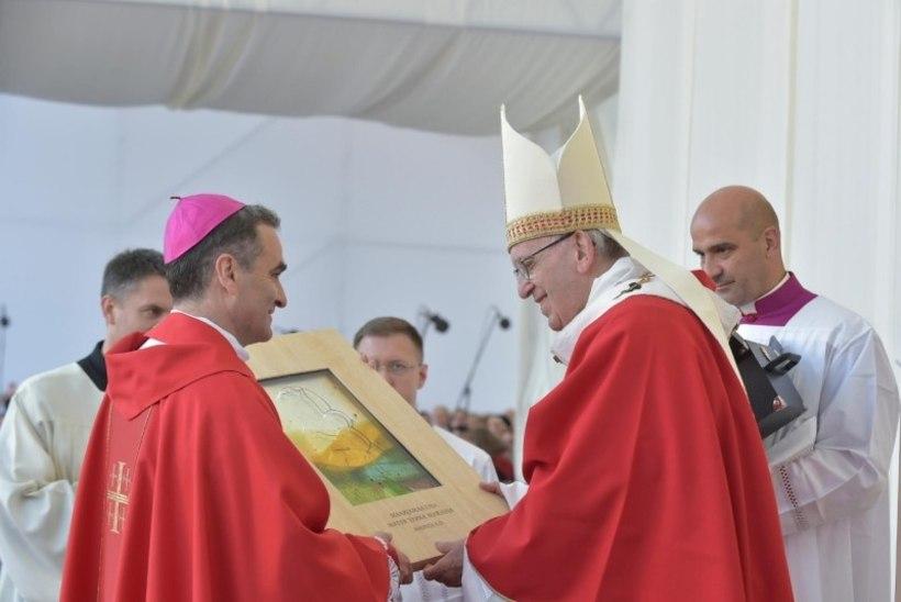 Paavst sai eestlastelt kingituseks tõlgenduse oma lemmikikoonist
