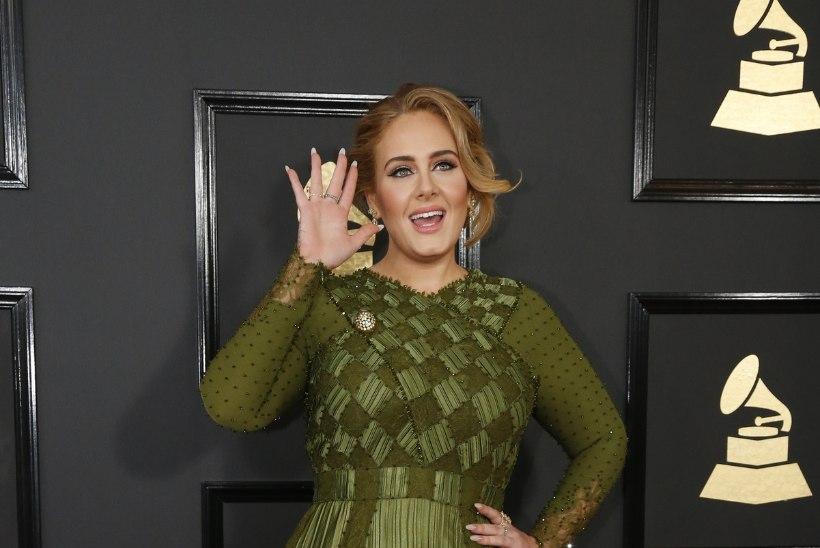 """Adele: """"Kas ma oleksin nii edukas, kui ma poleks pluss-suuruses?"""""""