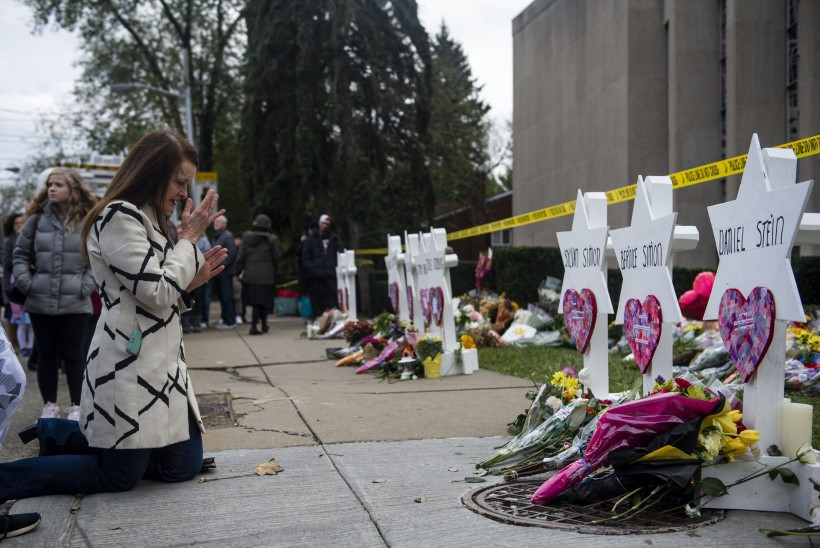 USA juudid haavunud: sünagoogitulistamise ohvrite mälestuseks kõneles Jeesuse-usku rabi