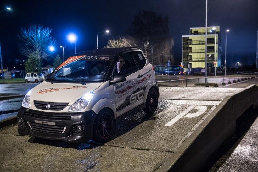 OHT LIIKLUSES: Soomes tahetakse mopeedautodest lahti saada