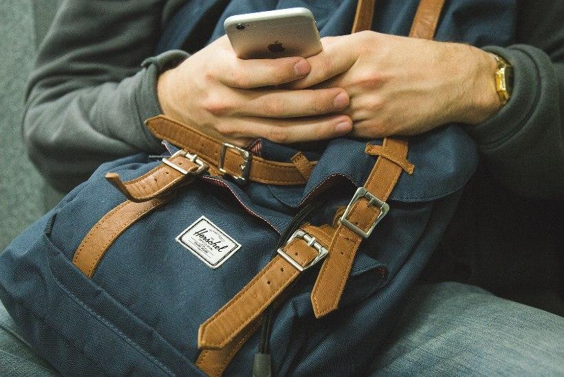 Uuring: nutitelefonide kasutusaeg pikeneb, sest ...