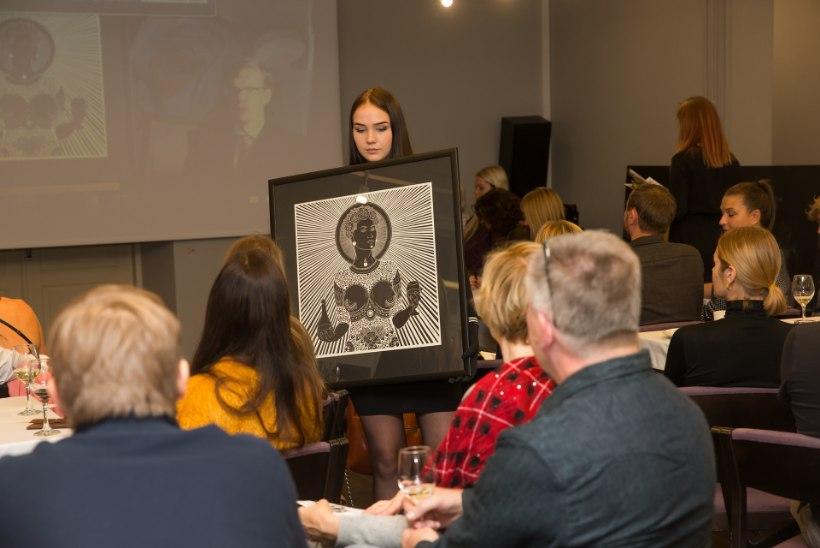 GALERII | Tartu noore kunsti oksjoni ajaloo rekordsumma haaras president Päts