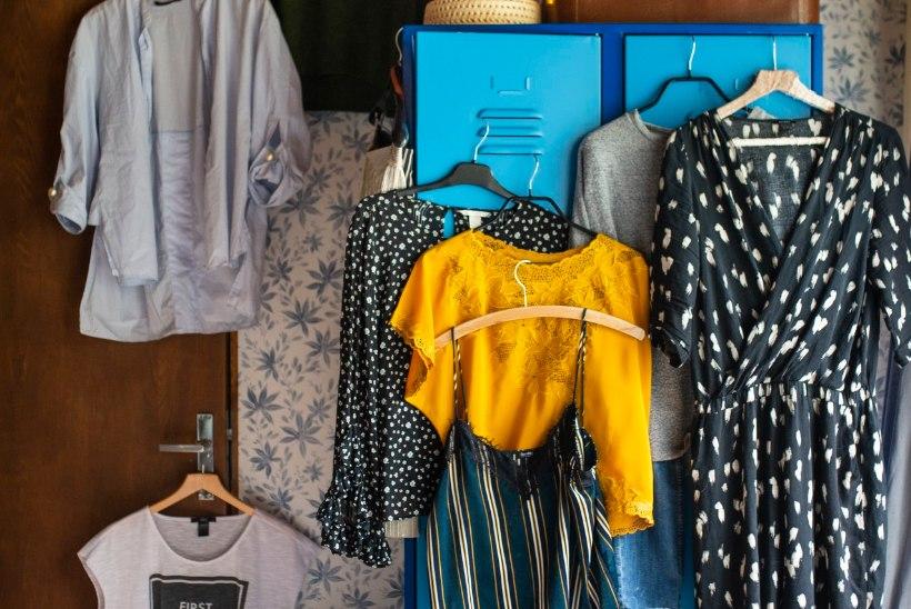 Elu piiratud arvu riietega: kuidas luua kapselgarderoob