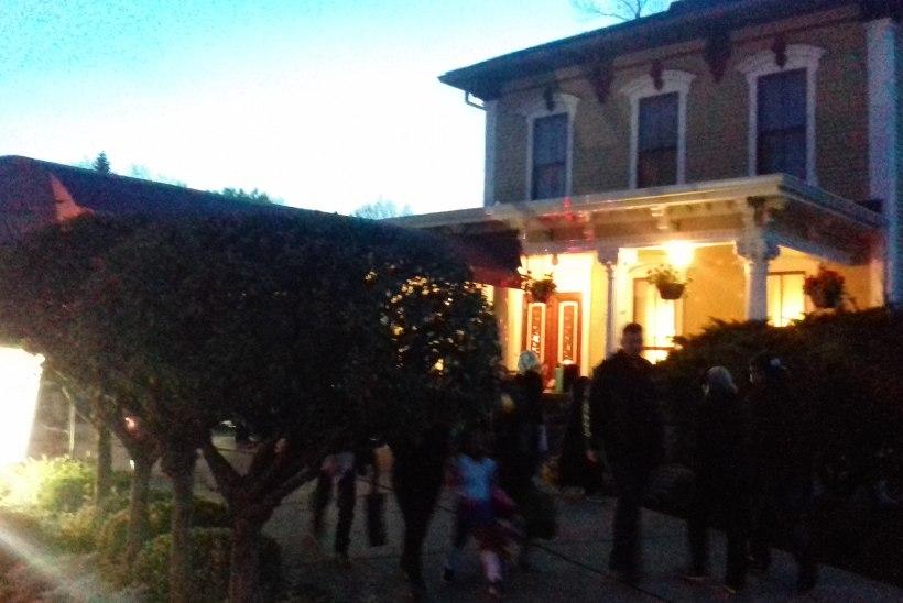 TILLSON STREET: tänav, mis ühel õhtul aastas muutub õuduste alleeks