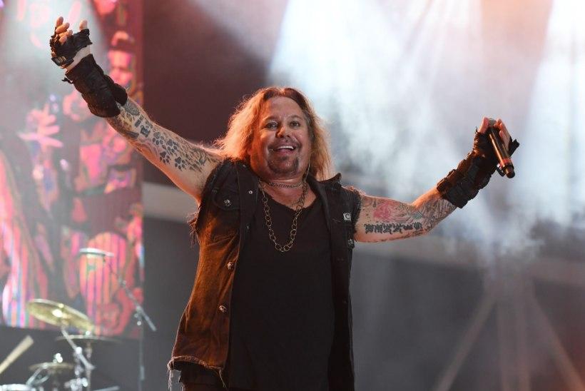 Mis on juhtunud Mötley Crüe rokkariga?!