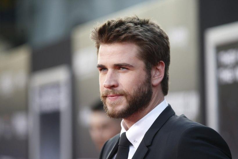 Liam Hemsworth jagab kurba fotot enda ja Miley kodu rusudest