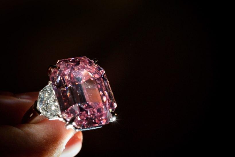 HIRMKALLIS: haruldase roosa briljandi eest maksti 44,3 miljonit eurot