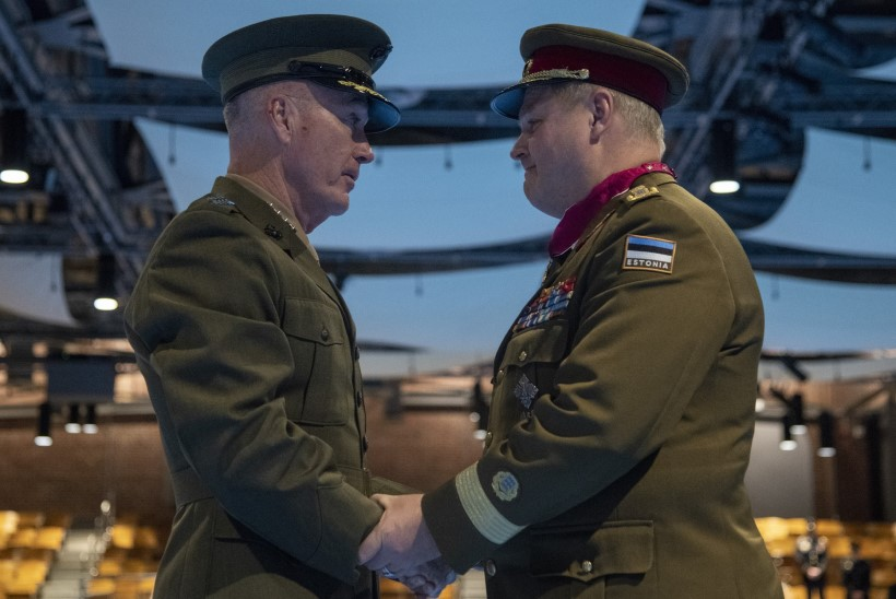 GALERII | Kaitseväe juhataja Terras sai ameeriklastelt kõrge sõjalise autasu