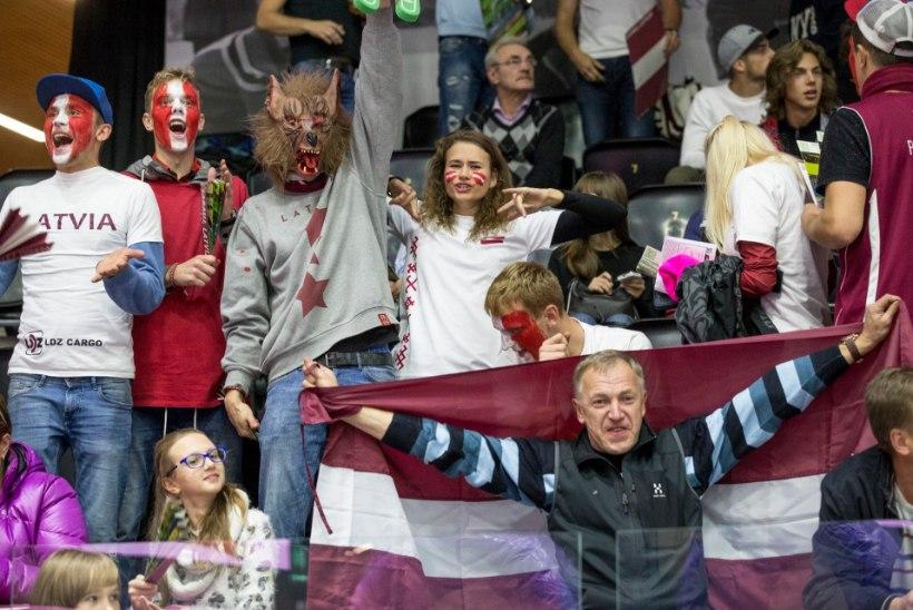 Daudz laimes dzimšanas dienā, Latvija!*