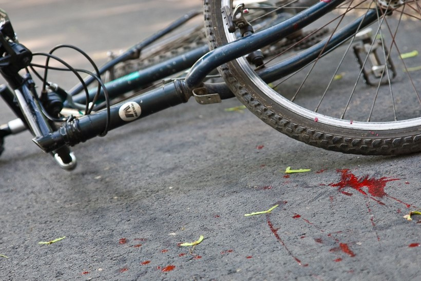 Ööpäev liikluses: joobes jalgrattur jäi auto alla