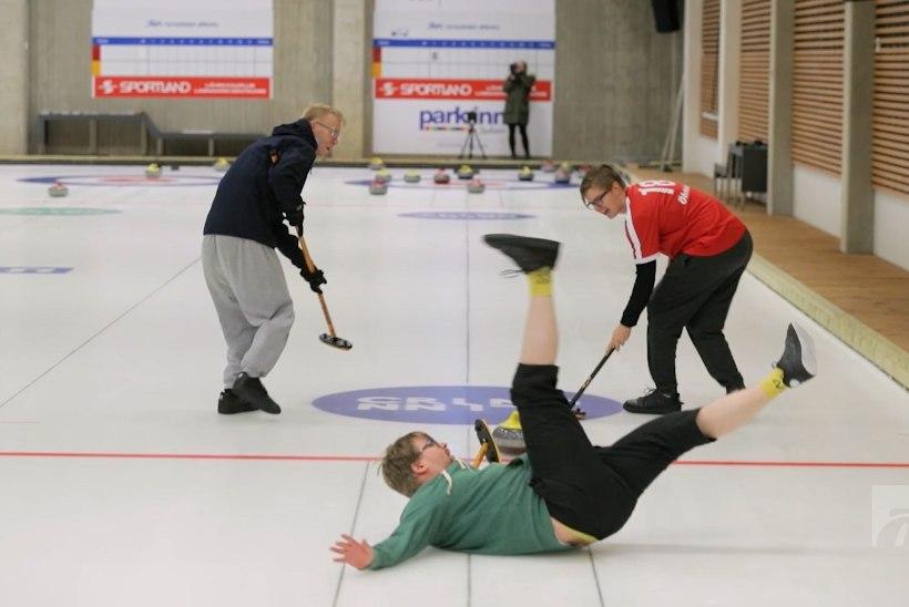 ÕL VIDEO | Mis juhtub, kui täielikud amatöörid satuvad esmakordselt curlingujääle?