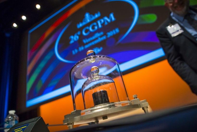 Kilogramm sai uue määratluse! Rahvusvaheline kilogrammietalon saadeti pensionile