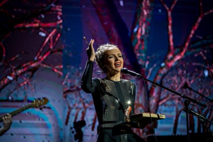 SUUR GALERII   Kadri Voorand andis koos sõpradega Saku Suurhallis võrratu kontserdi