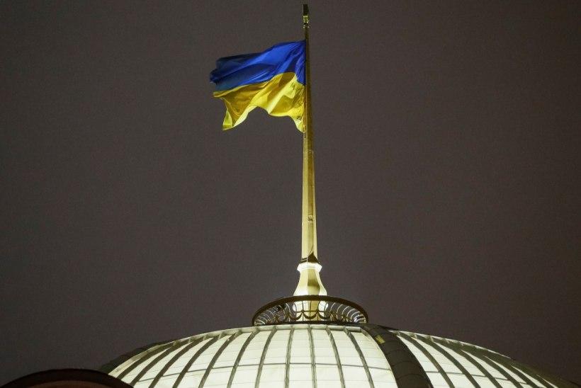 Esmaspäevast kehtib Ukrainas sõjaseisukord