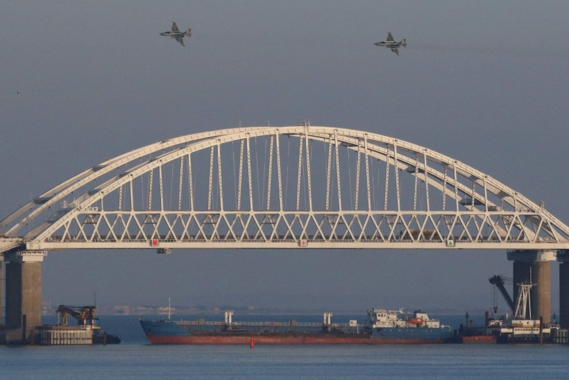 Ohtlik vahejuhtum Mustal merel: Venemaa ahistab Ukraina sõjalaevu