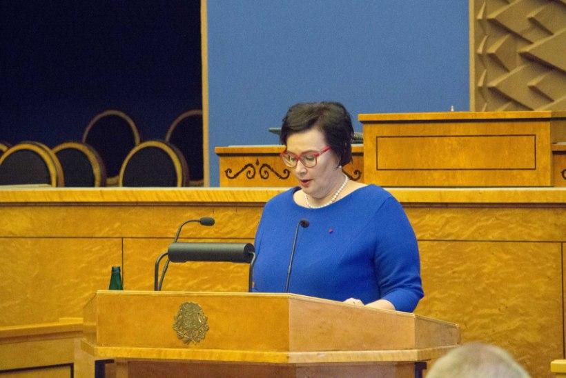 FOTOD   Siseminister Katri Raik astus ametisse