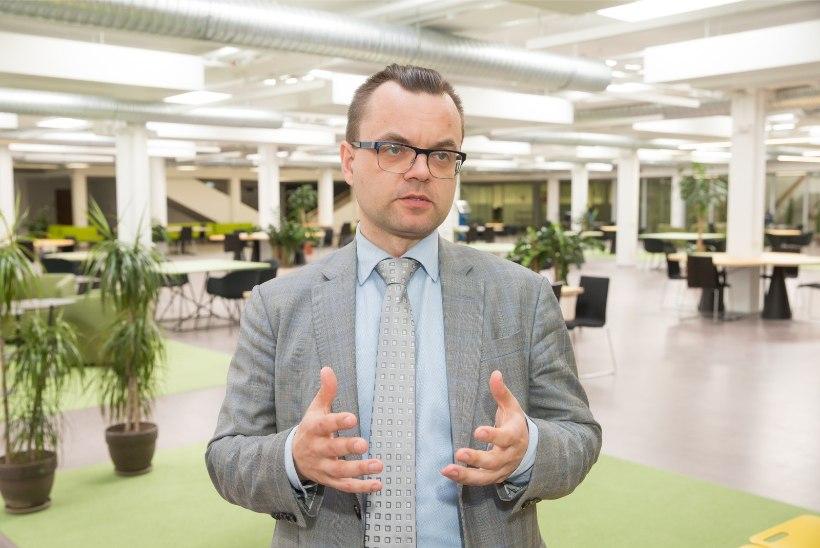 """Ahistamissüüdistustega võitlev TÜ raamatukogu eksjuht Hallik: ma ei hõõrunud ennast kellegi vastu, """"paugu lahti saamise"""" soovi pole avaldanud"""