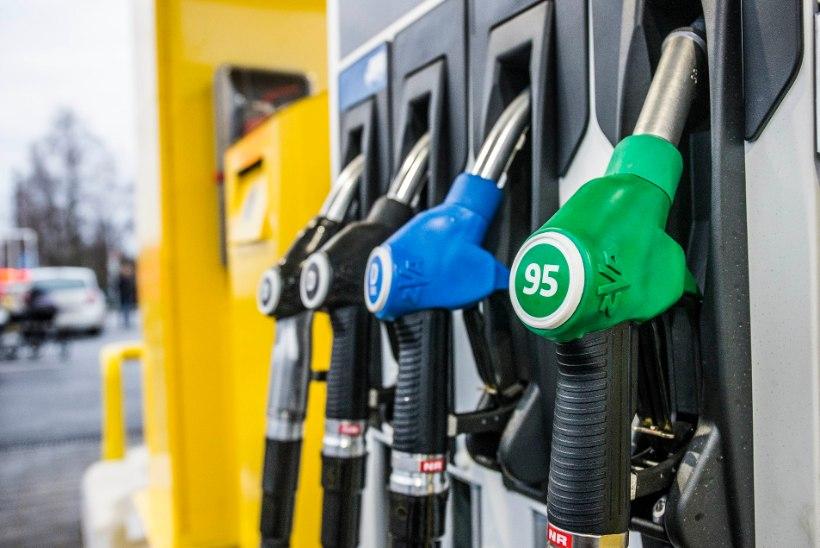 Maailmaturu naftahinnad liikusid reedel veelgi allapoole