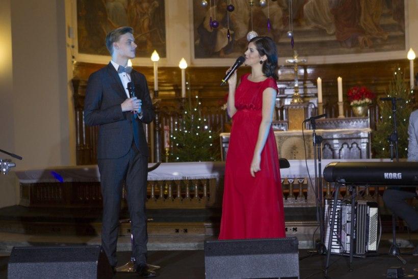 KAMBAKESI JÕULUTUURILE: kes Eesti muusikutest on jõuluajal esinenud kõige rohkemate koosseisudega?