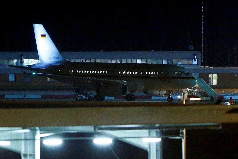 Merkeli lennuk tegi hädamaandumise