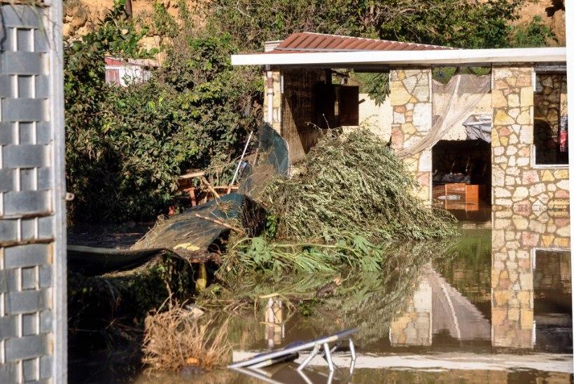 Kümned hukkunud: Itaaliat räsivad tormid ei näita vaibumise märke