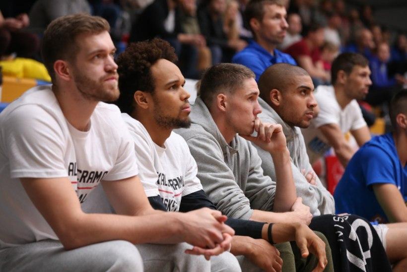 FOTOD | Kaheksakesi mänginud Kalev/Cramo surus Tartu ära
