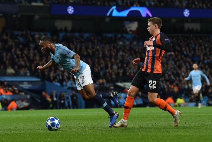 VIDEO   Kus on kohtuniku silmad? Manchester City pallur pettis välja uskumatu penalti